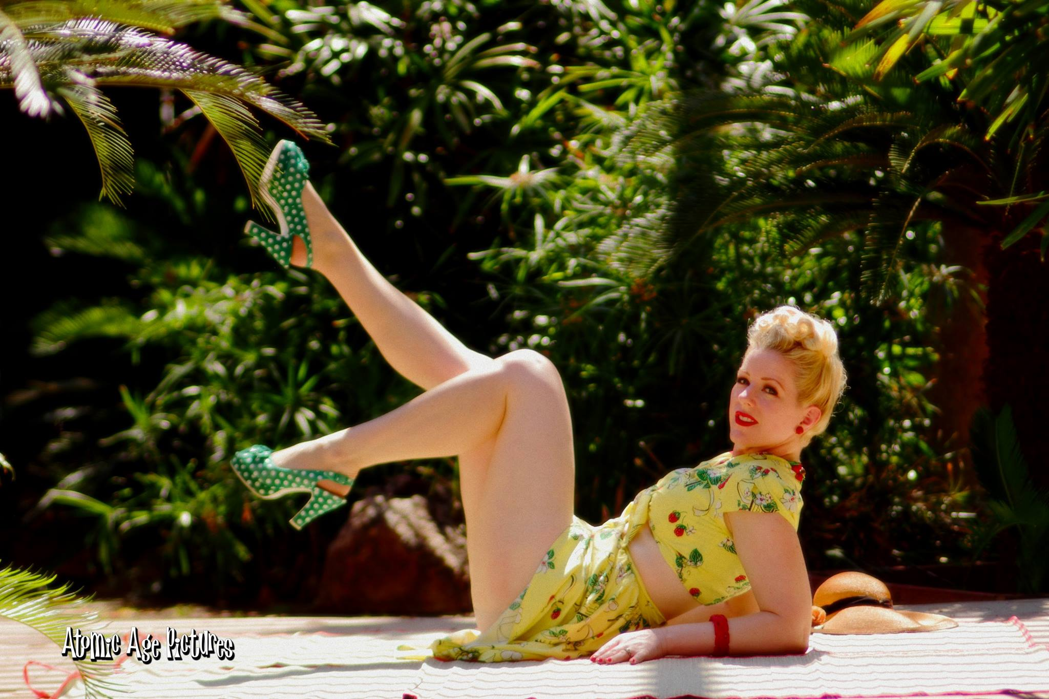 Vintage Pin up Style: In My Beauty Kit – Stockings