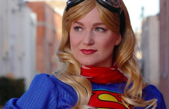 Cosplayer Spotlight: The Great Candy Giver of Conventions – Bustle Girl